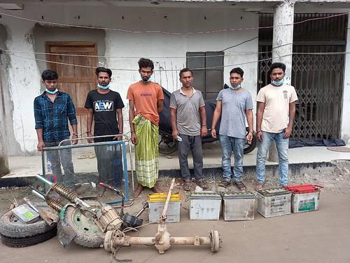 Gazipur-(5)- 17 June 20211-Six Decoit Arrested At Bason