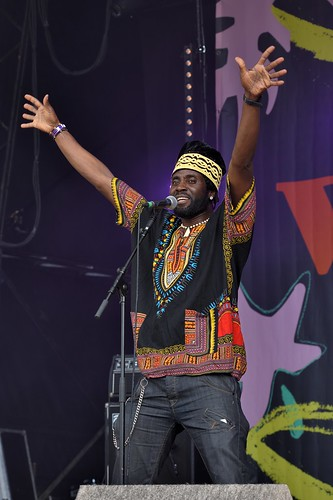 056-20180601_14th Wychwood Music Festival-Cheltenham-Gloucestershire-Main Stage-Kasai Masai-lead vocalst
