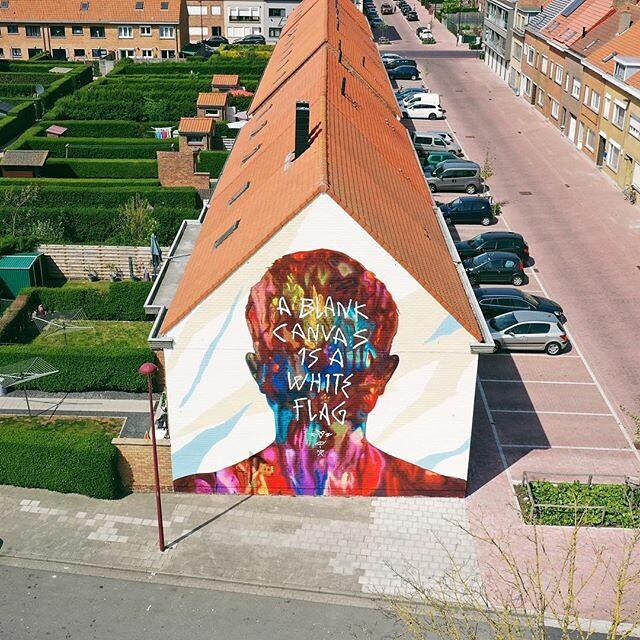#thechrystalship today #great #art by @artofdavidwalker #walls #oostende #ostend #visitoostende #streetart #art #colours #vsco #vscocam #visitflanders #belgium #house #wanderlust