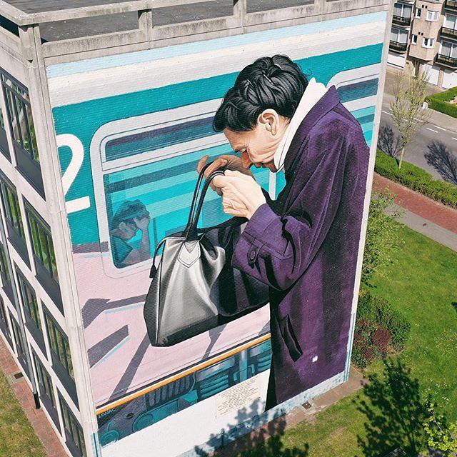 Another stunning one #thechrystalship #oostende #visitoostende #ostend #streetart #art #wall #vsco #vscocam #wanderlust #visitflanders #belgium #guardiantravelsnaps #colours #streetartistry