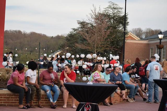 Students enjoying the Junior Twilight event