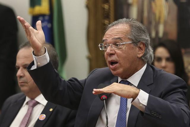 """Reforma da Previdência ou a """"revogação do direito de viver"""" dos pobres:G.Frigotto — Leonardo Boff"""