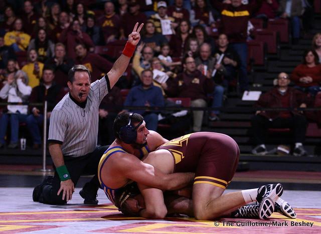 285: Jarrod Snyder (Cal State Bakersfield) dec. Chase O'Connor (Minnesota) 4-1 TB1. 191101AMK0191