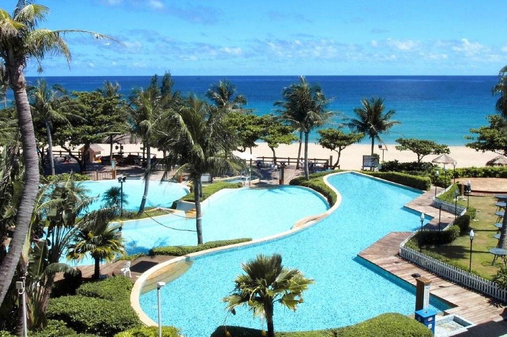 Chateau Beach Resort 6