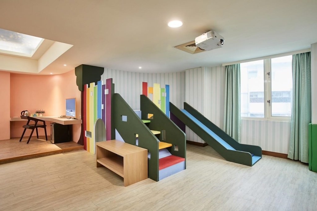 Una Baby Hotel 4