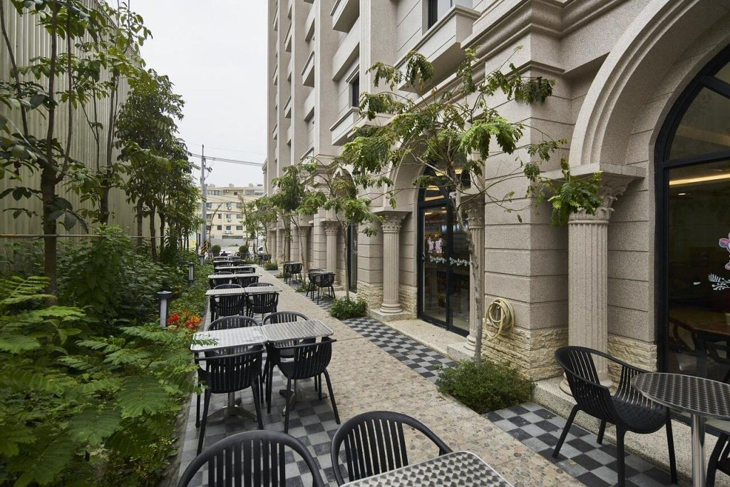 Hotel MENIPPE 4