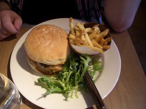 Le Bistrot Pierre - Aberdeen Angus burger
