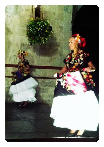 Girl dancing la Guelaguetza