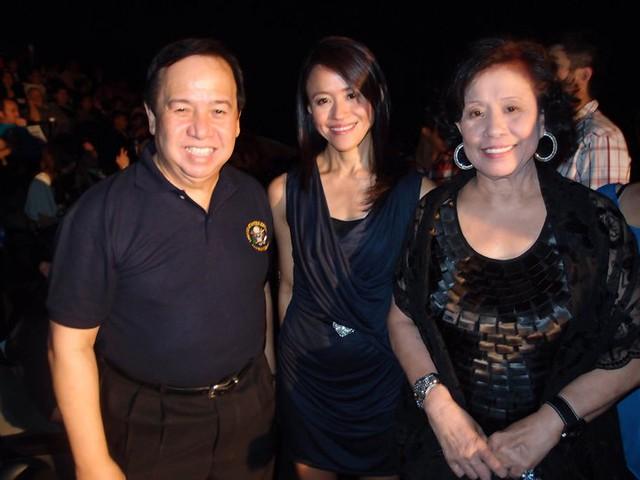 Richard Gordon, Roselle and Lily Monteverde