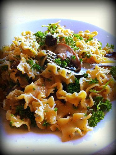 Pasta with Portobello, Parmiggiano and Parsley by mengteck