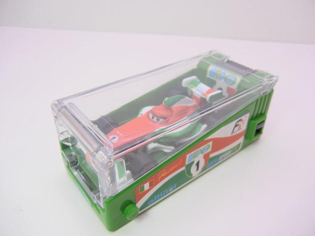 disney cars 2 tomica francesco bernoulli launcher (3)