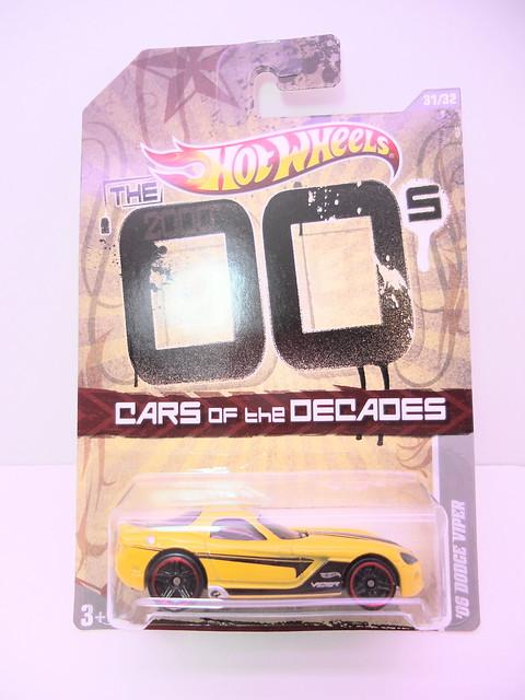 hot wheels decades '06 dodge viper yellow (1)