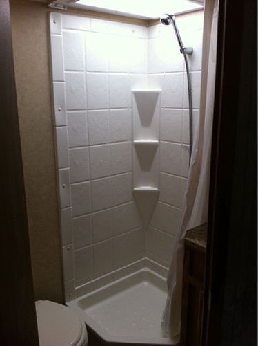 Trailer shower - I am a princess...