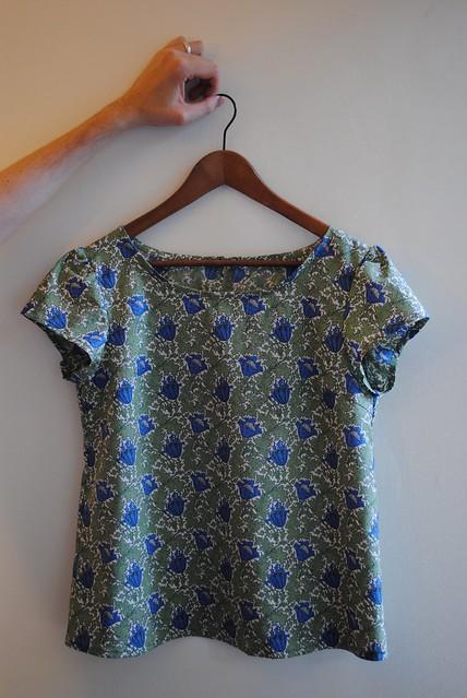 gathered sleeve blouse