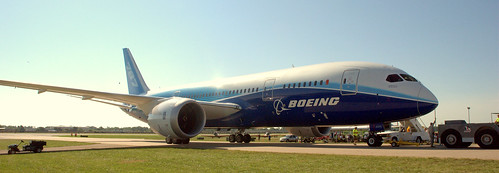 787 on display at Oshkosh