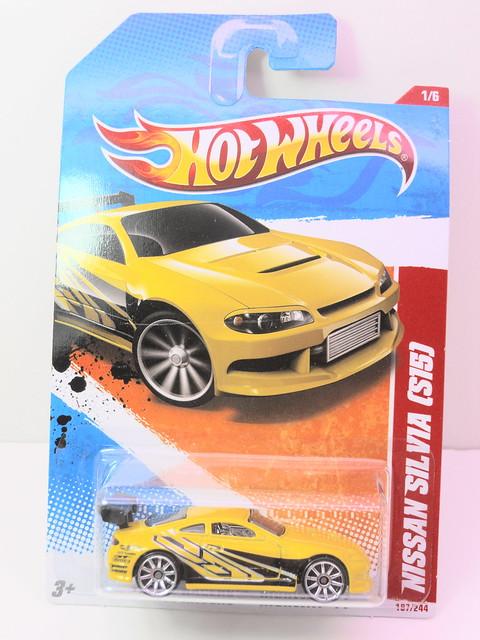 hot wheels nissan silvia s15 (1)