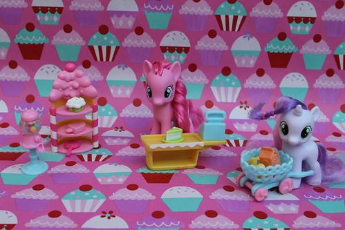 MLP- Pinkie Pie and Sweetie Belle Bakery set