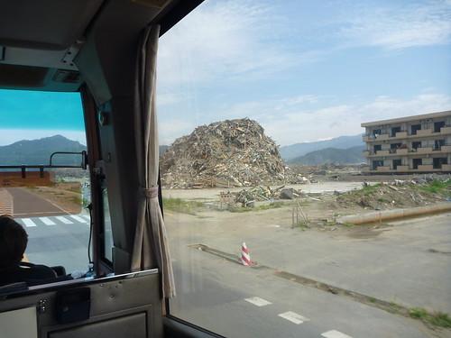 波で被災した陸前高田, 震災ボランティアバス Japan Quake Volunteer Bus to Rikuzentakata, Iwate pref.