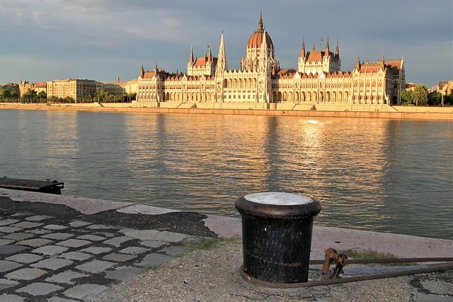 Le parlement vu de Buda, Budapest, Hongrie