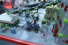 Alien Conquest Display Case - LEGO Booth at Comic Con - 5