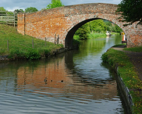 20110529-21_Brick Bridge over Grand Union Canal - Braunston by gary.hadden