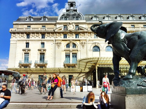 There an elephant in front of Musee d'Orsay