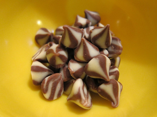 White & Milk Swirl Chocolate Chips