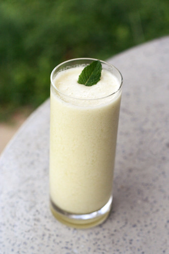 Honeydew Almond Milk Smoothie