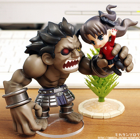 Nendoroid Petit Berserker and Tohsaka Rin