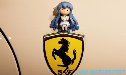 Ika-Ferrari = Ika Musume x Scuderia Ferrari