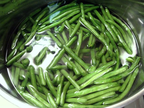 Skinny Green Beans in Salted Water