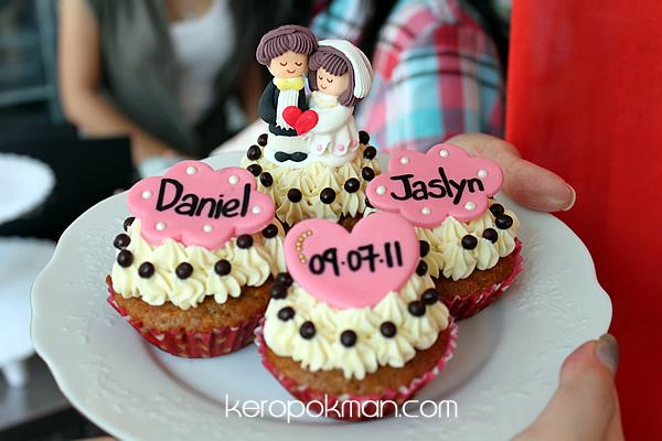 Oni Cupcakes