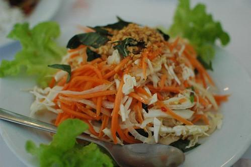 Halong chicken salad