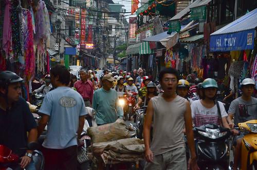 Hanoi, Busy Street