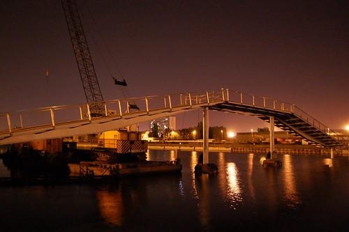 bataviabrug by night