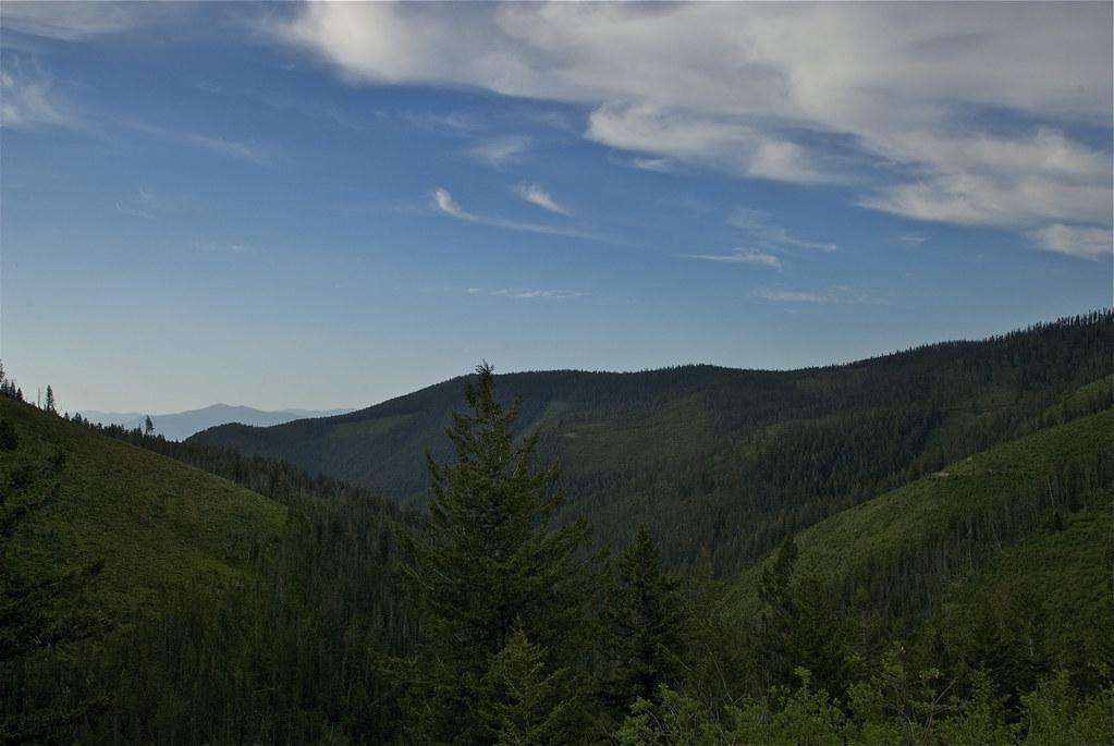 Road 5587 to KooKooSint Ridge