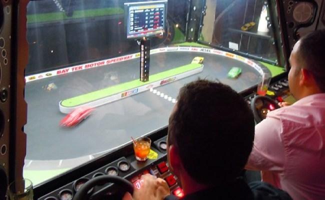 Dave Buster S Officially Opens Orlando Video Game Arcade