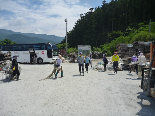 陸前高田でボランティア, 震災ボラバス Japan Quake Volunteer Bus to Rikuzentakata, Iwate pref.