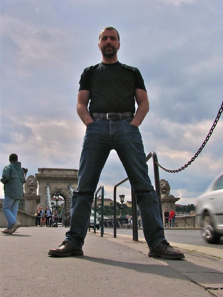 Debout et grand, Budapest, Hongrie