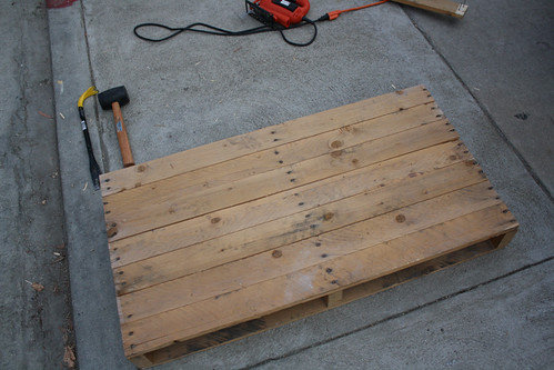 In Progress: Pallet Coffee Table