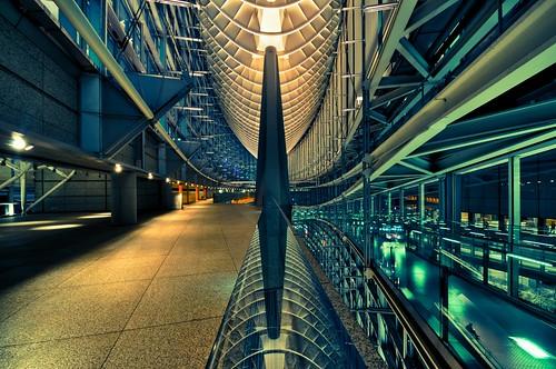 Tokyo International Forum by hidesax