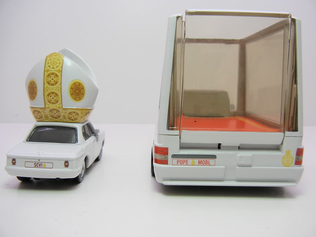 disney cars 2 pope and popemobile loose (10)