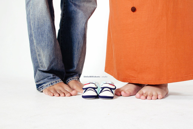 We're Expecting!   Maternity Studio Portraiture