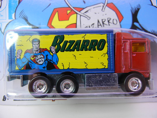 HOT WHEELS NOSTALGIA DC COMICS BIZARRO HIWAY HAULER (2)