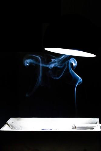 Ceci n'est pas une cigarette by esquimo_2ooo