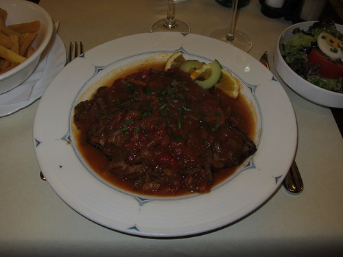Pferdesteak mit pikanter Soße im Restaurant Um Dierfgen