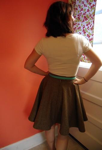 circle skirt back