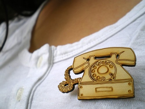 Brooch Telephone2