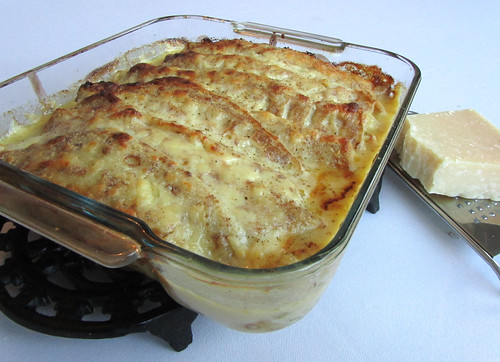 Chicken, ham, leek and cheese pancake bake