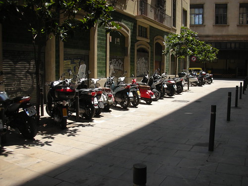 The Way to Park Motorcycles in Barcelona